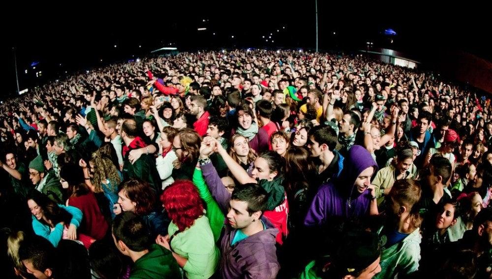 El público viendo a Extremoduro