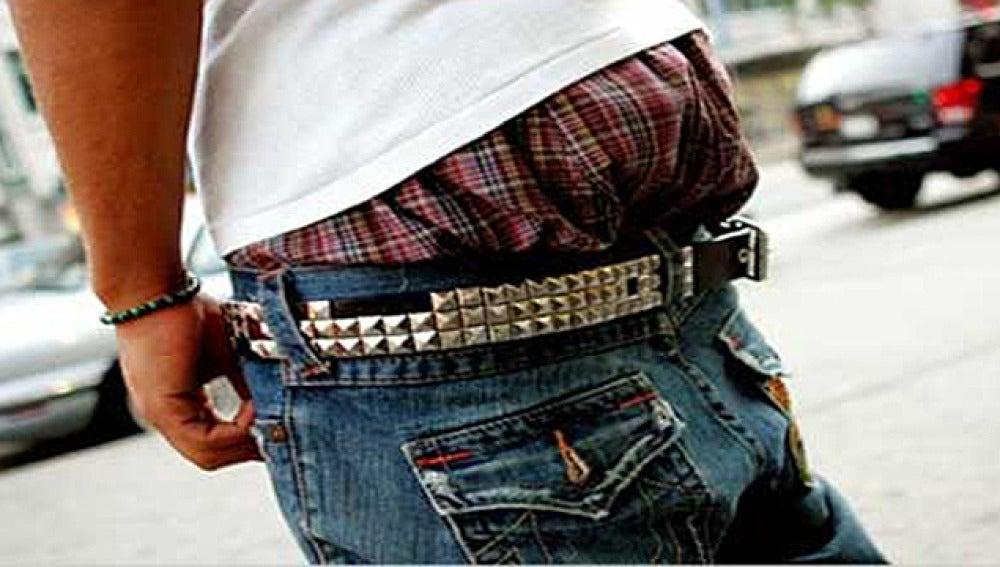 Moda de los pantalones caídos
