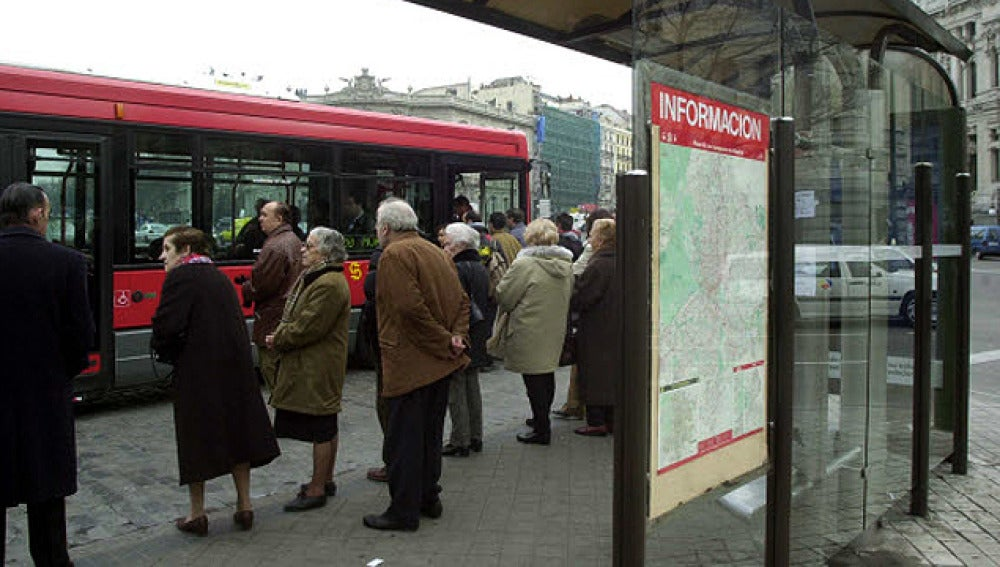 Parada de autobús en Madrid