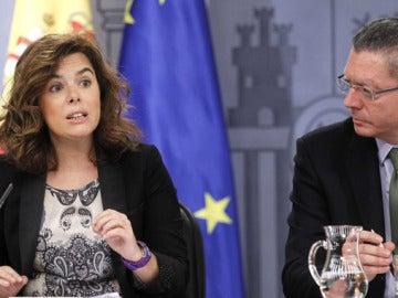 Soraya Sáenz de Santamaría, junto a Alberto Ruíz Gallardón