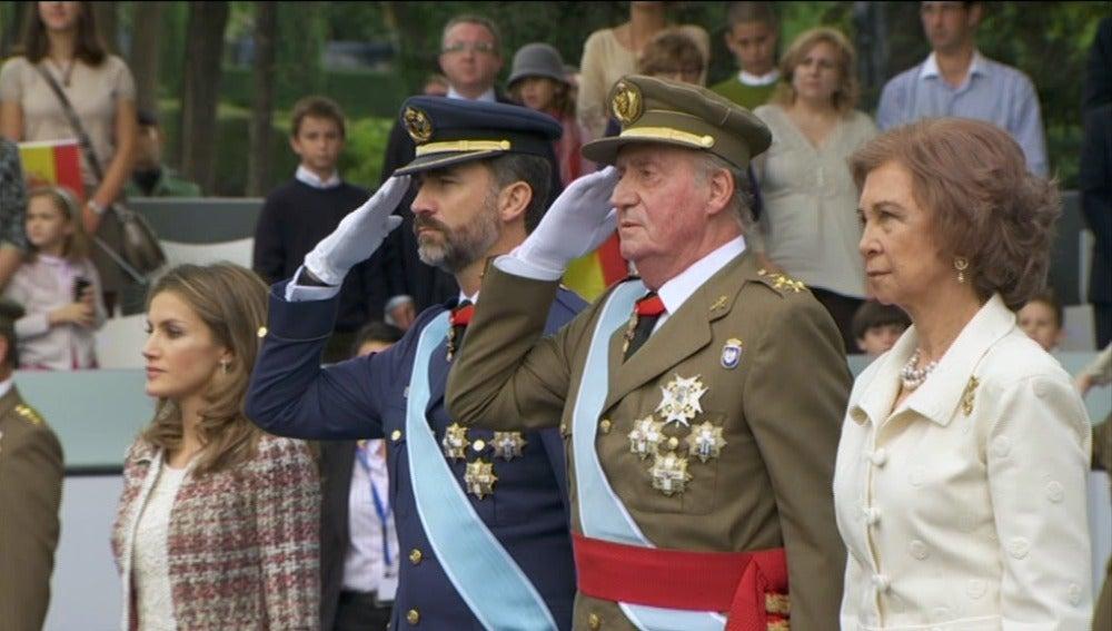 Los reyes y los príncipes presiden el inicio de los actos de la Fiesta Nacional