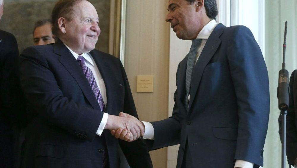 Adelson con Ignacio González, presidente de la Comunidad de Madrid