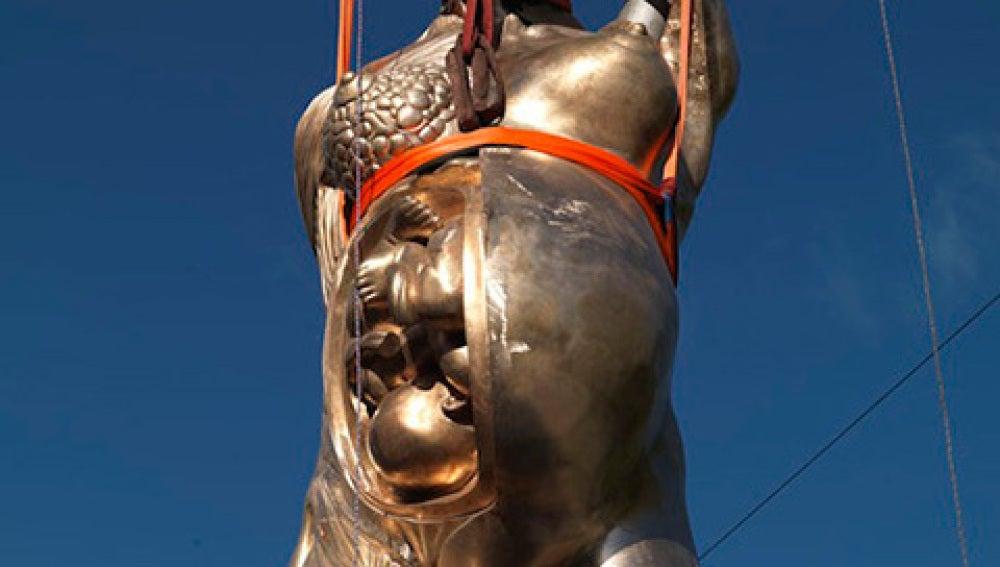 Escultura de Damien Hirst