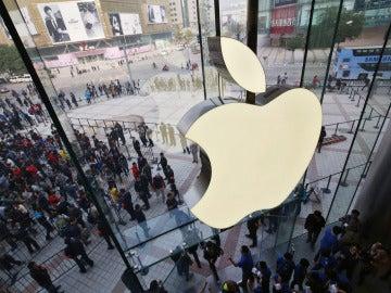 Apple abre su mayor tienda en China