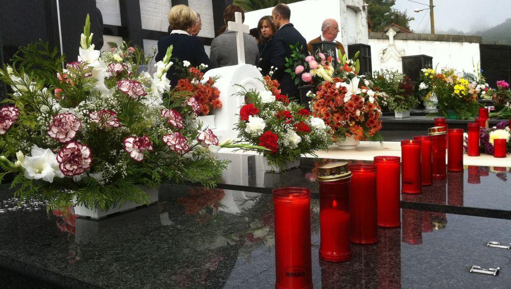 Cementerio en el Día de Todos los Santos