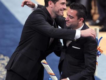 Iker y Xavi celebran el Príncipe de Asturias