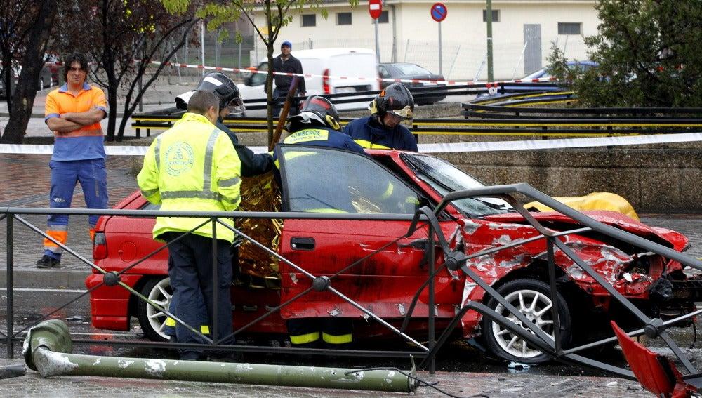 Un accidente de tráfico en la capital acaba con la vida de una joven