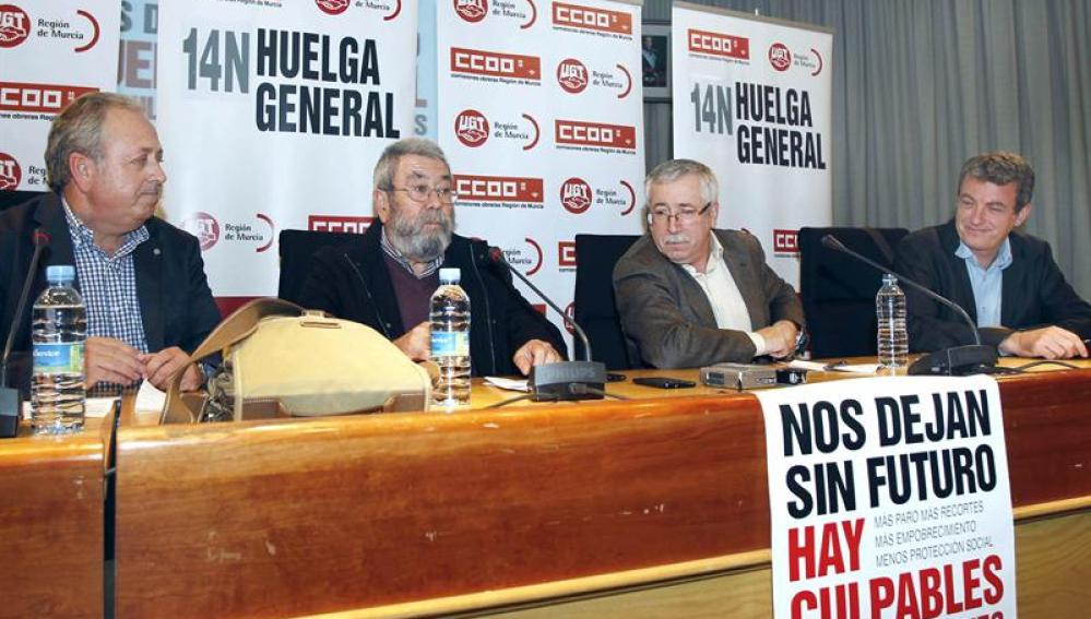 Los secretarios generales de UGT, Cándido Méndez, y CCOO, Ignacio Fernández Toxo