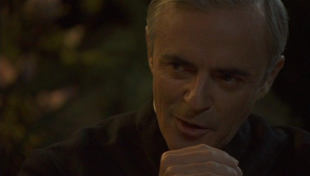 Don Celso confiesa que tiene planes para Gonzalo