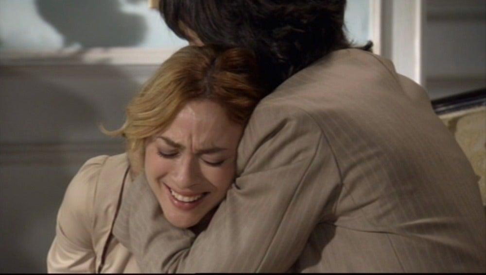 Raúl apoya a Sara