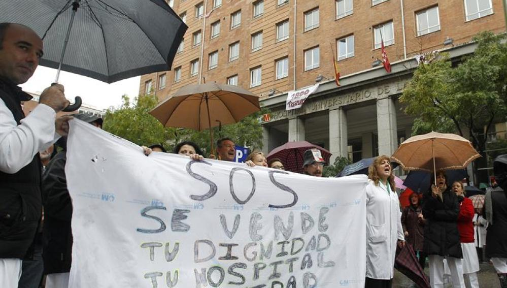 Trabajadores del Hospital Universitario de La Princesa de Madrid protestan