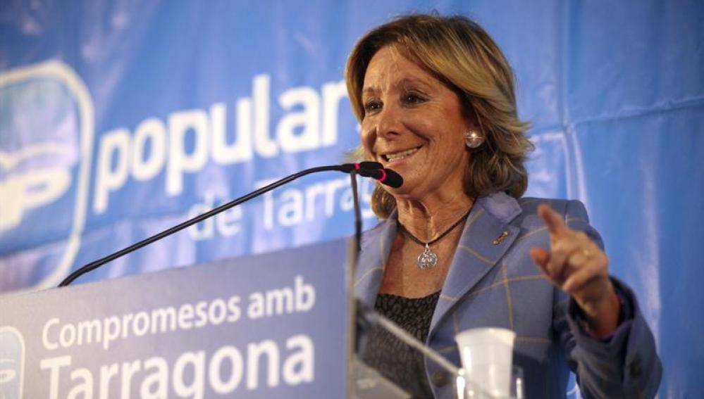 Esperanza Aguirredurante un acto de campaña del PPC en Segur de Calafell