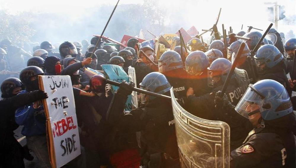 Violentos enfrentamientos en Italia durante la jornada de huelga