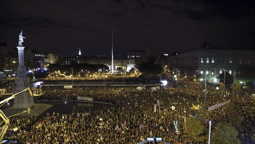 Manifestantes en la Plaza de Colón