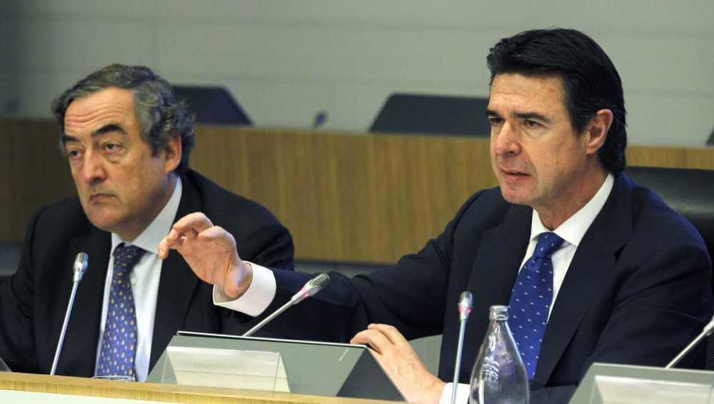 El ministro de Industria, José Manuel Soria, y el presidente de la CEOE, Juan Rosell.