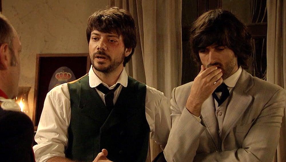 Adolfo y Raúl se pelean por Sara
