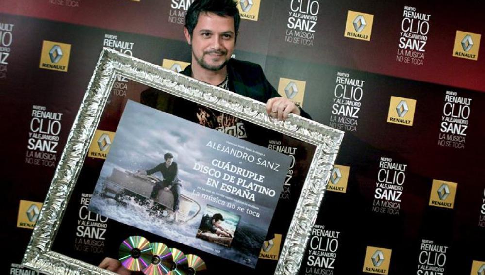 """Cuádruple disco platino por """"La música no se toca"""""""