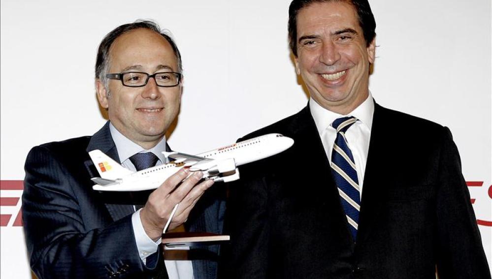 El consejero delegado de Iberia Express, Luis Gallego, y el consejero delegado de Iberia, Rafael Sánchez-Lozano