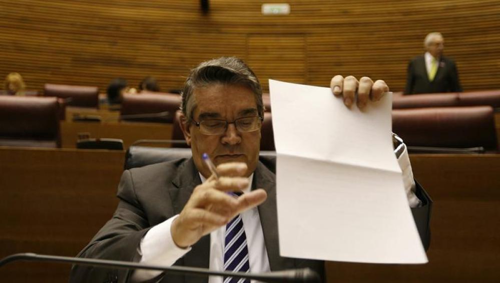 El Conseller valenciano dimite por supuesta filtración en caso Cooperación