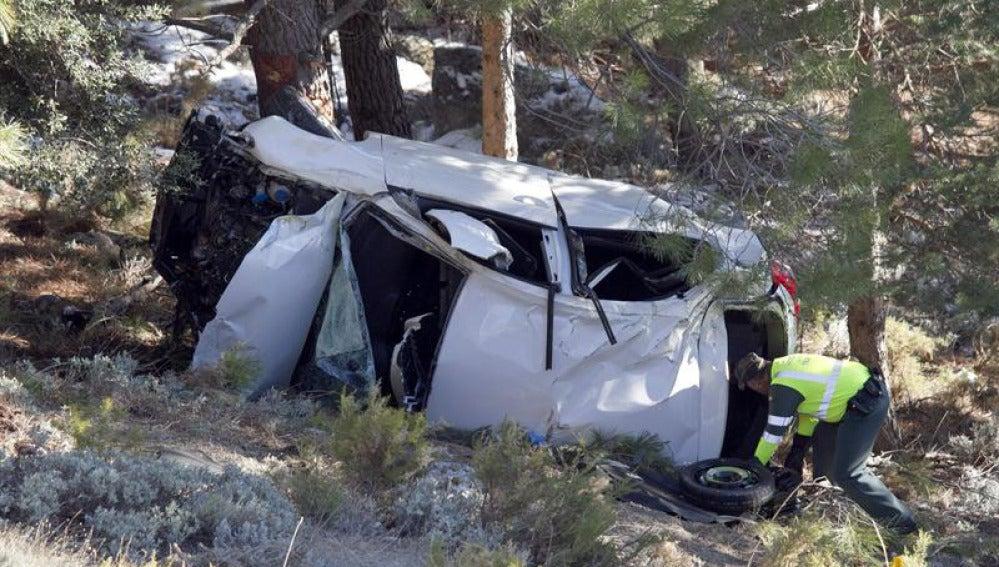Estado en el que quedó el vehículo tras el accidente en el que dos personas han fallecido en Granada