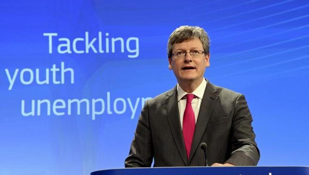 El comisario europeo de Empleo, Laszlo Andor, durante la presentación del programa
