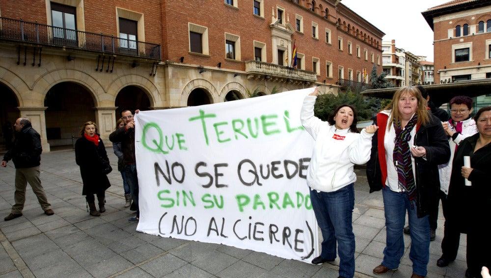 Protestas ante el cierre del parador de Teruel