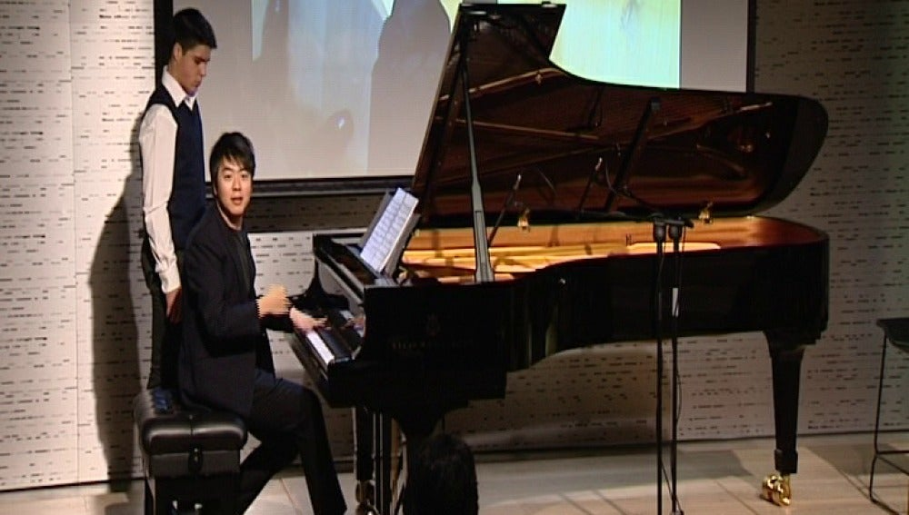 Lang Lang dando una clase magistral de piano