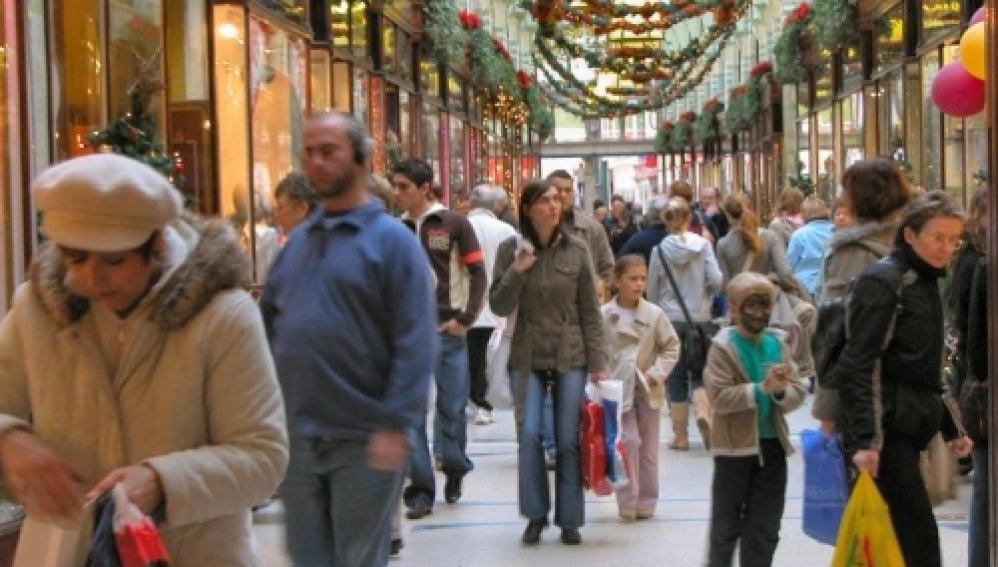 Los españoles gastarán menos en loterías y en regalos