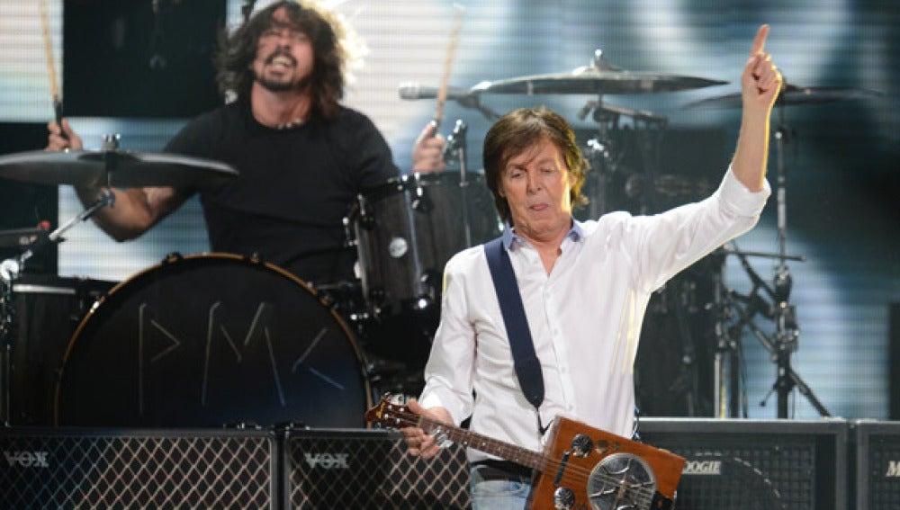 Paul McCartney junto a Nirvana