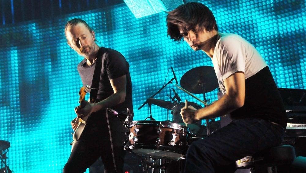 Jonny Greenwood y Thom Yorke en un concierto