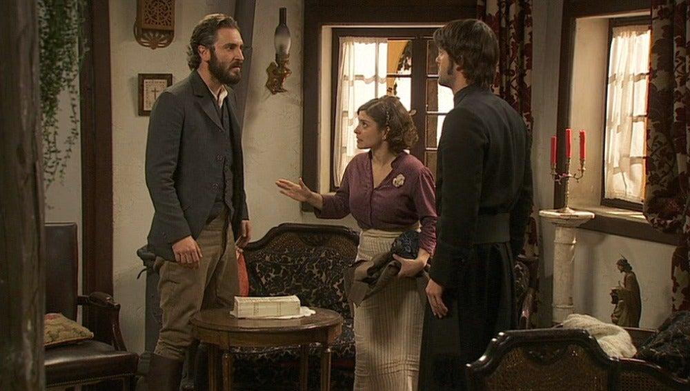 Gonzalo y Tristán se enfrentan por Lázaro
