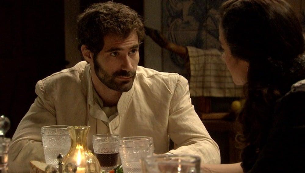 Julio pide a Sofía que supere la muerte de sus padres