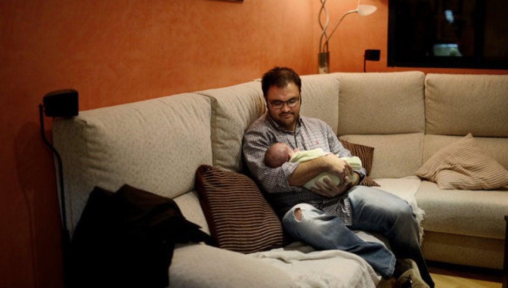 Un padre de familia que no cobra su sueldo