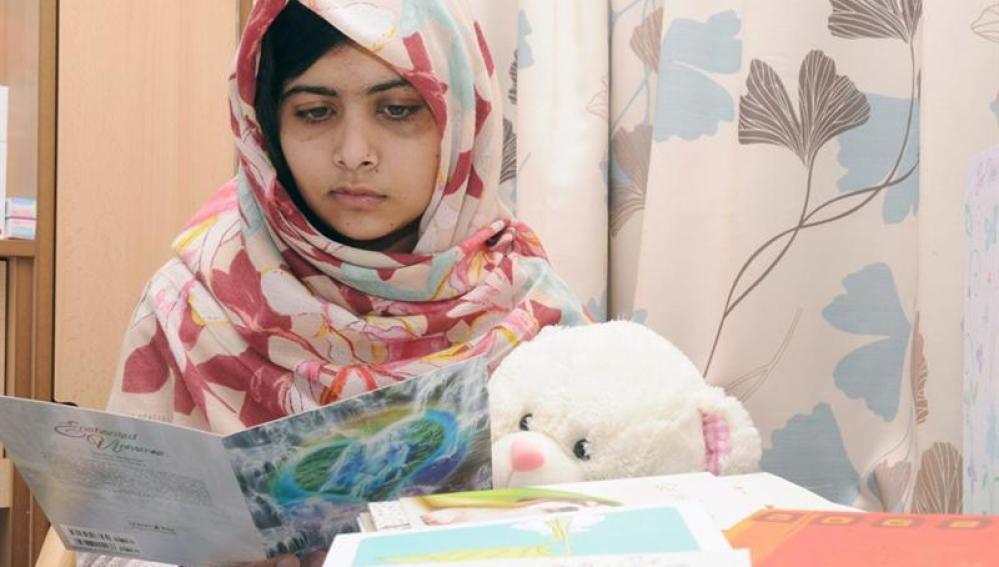 Malala, la menor paquistaní tiroteada por talibanes