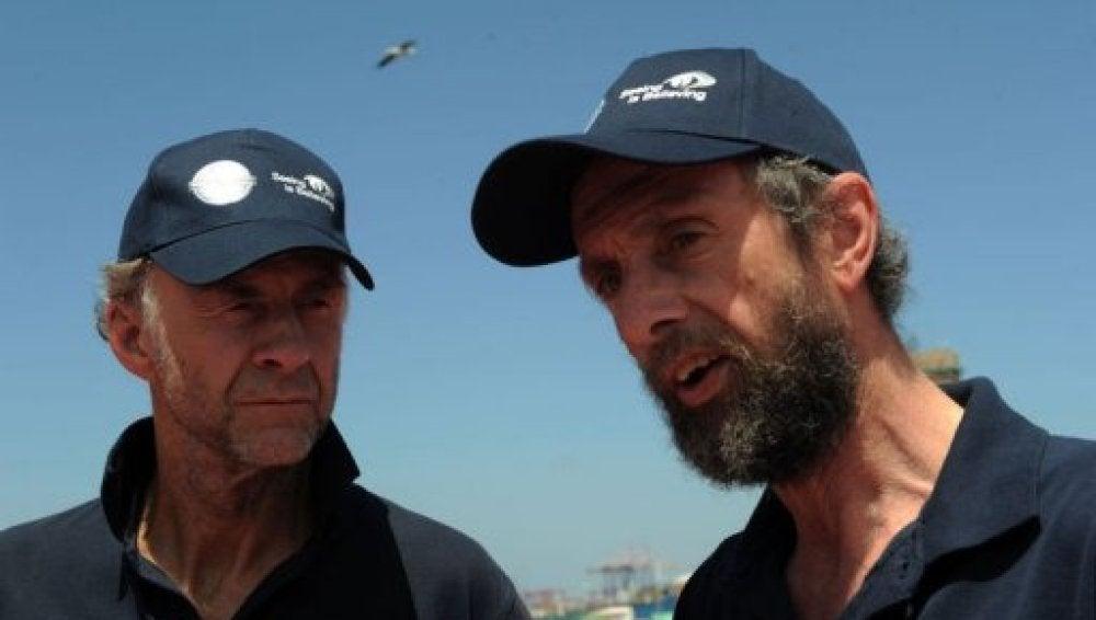 Los exploradores sir Ranulph Fiennes (izq) y Anton Bowring