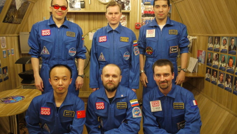 Seis personas recrean un viaje a Marte