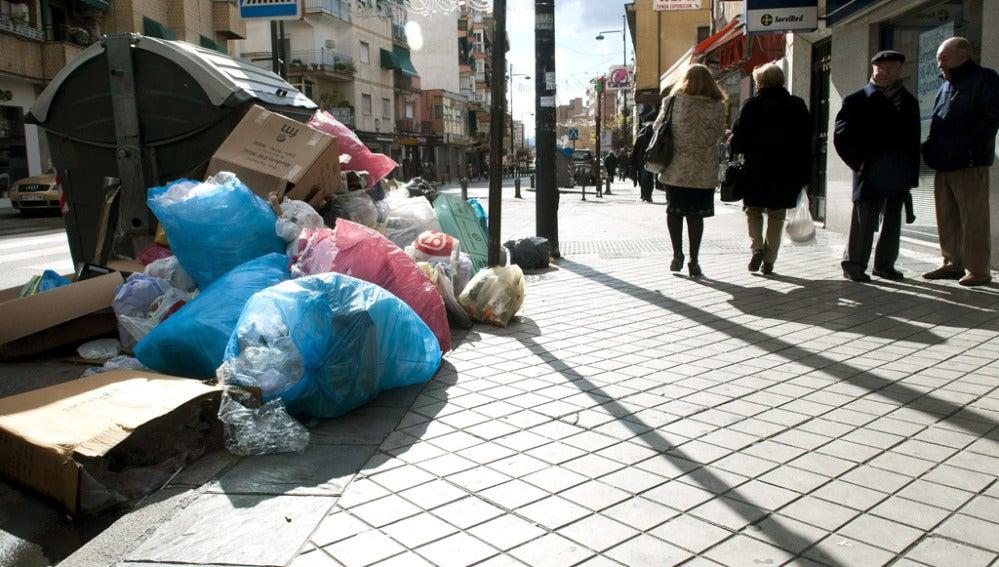 Huelga de recogida de basura en Granada