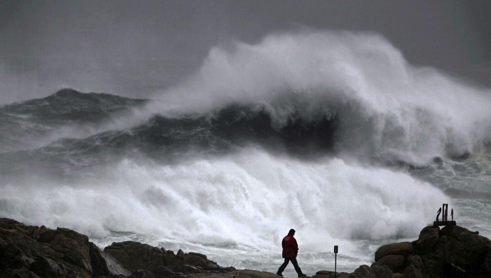 Alerta por fuerte oleaje en Galicia