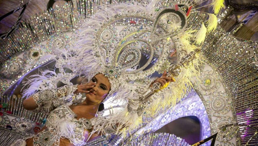 Giovanna Lee Alfonso, con la fantasía 'Lágrimas por ti'