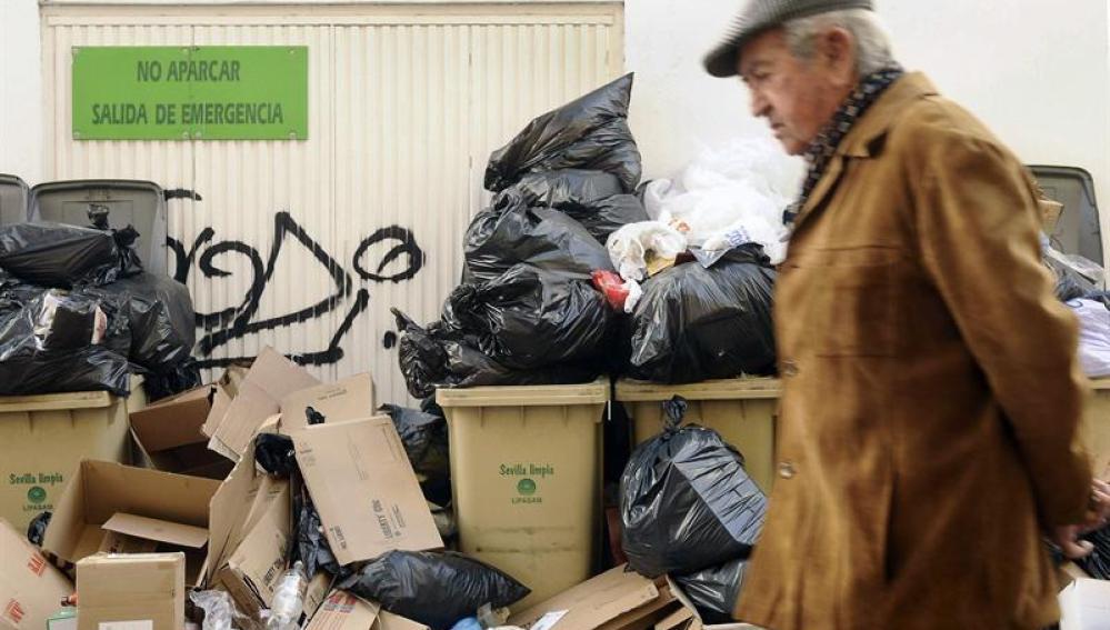 La huelga de basuras continúa en Sevilla