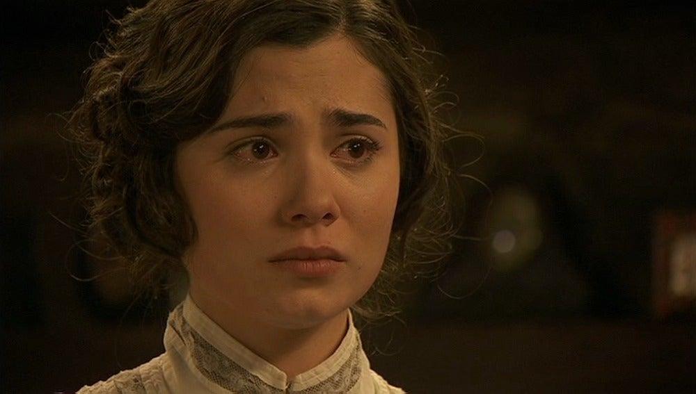 María decide regresar a la Casona