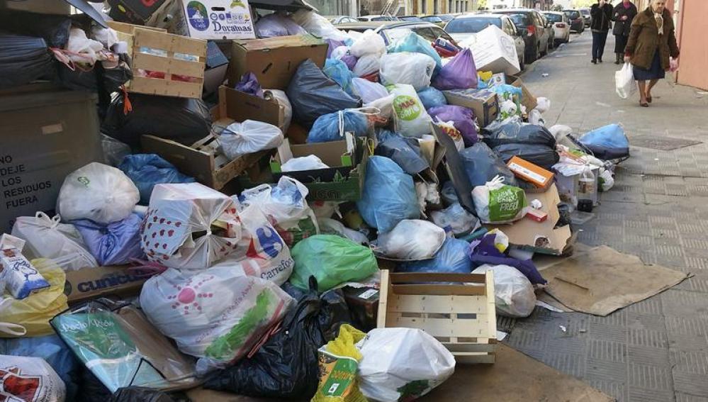 Concluye la huelga de basuras en Sevilla
