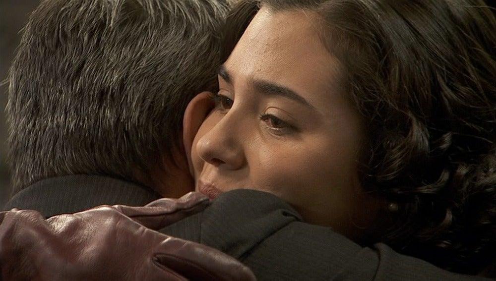 María se reconcilia con su padre