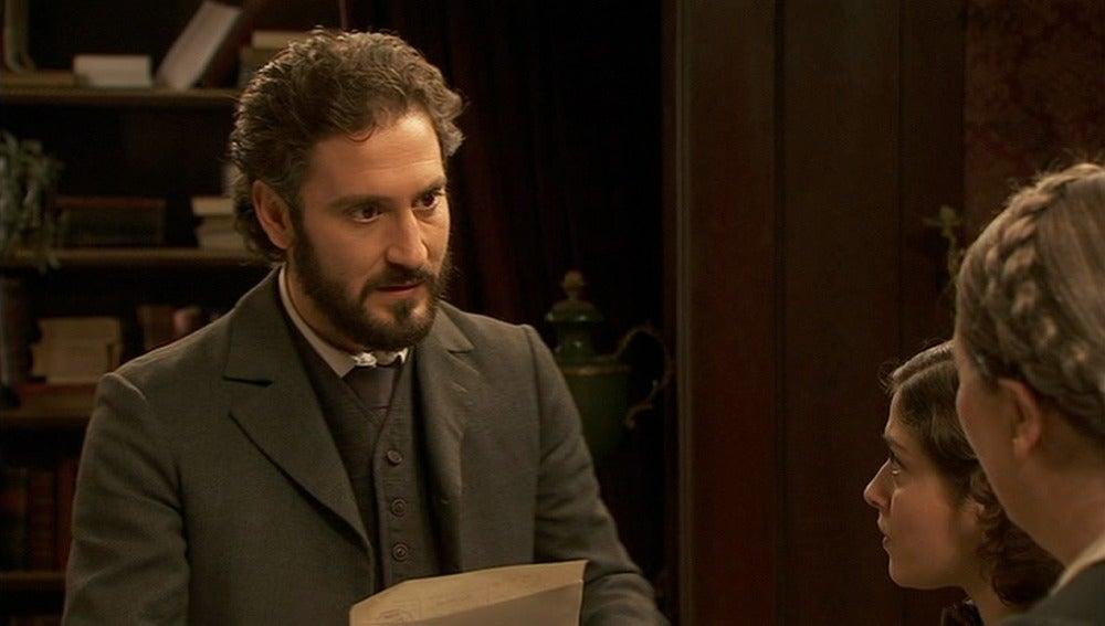 Tristán recibe un telegrama que dice que Soledad regresa a Puente VIejo