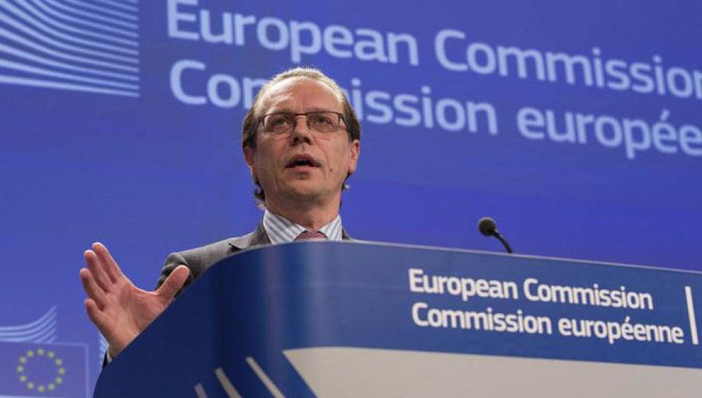 El comisario europeo de Fiscalidad, Algirdas Semeta
