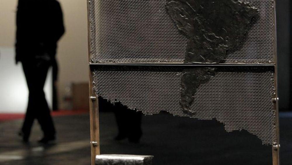 """Vista de la obra """"Latinoamérica negra"""" de la escultora peruana Raura Oblitas (ARCO)"""