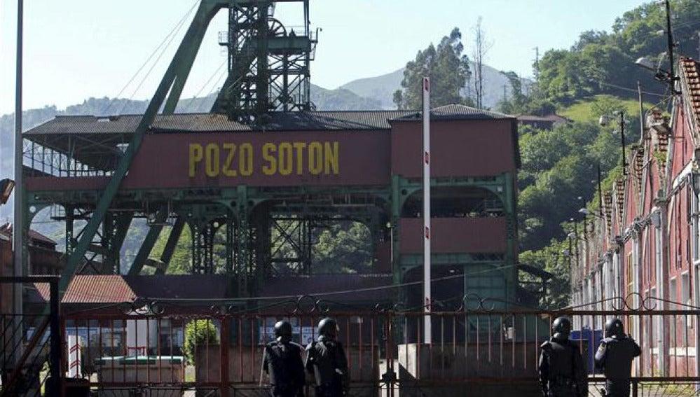 El pozo Sotón de Hunosa, con vigilancia policial
