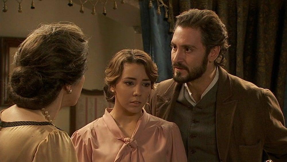 Tristán y Emilia le cuentan a Francisca que sospechan que alguien está envenenando a su padre