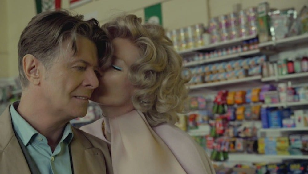 Videoclip de Bowie 'The stars (are out tonight)'