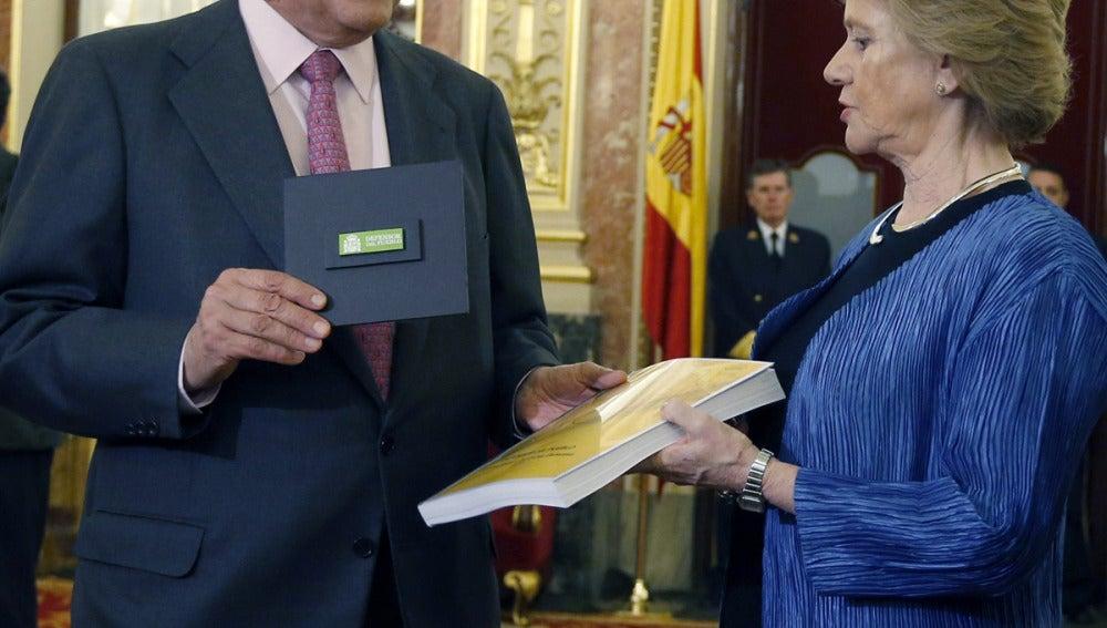 Soledad Becerril entrega a Posadas el Informe Anual